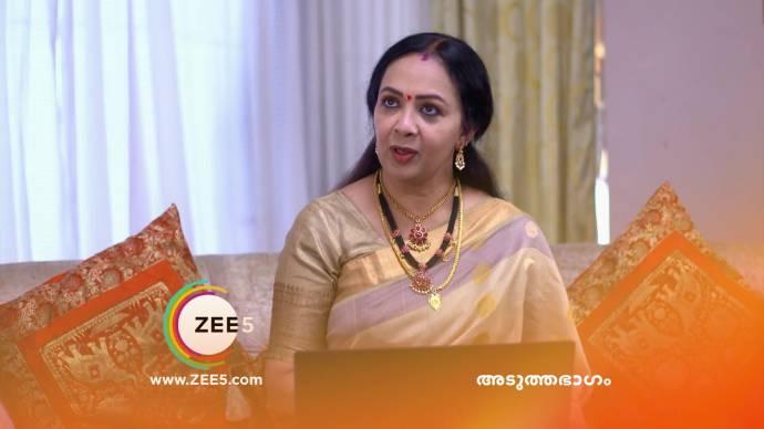 Akhila meets Sujatha (source:ZEE5)