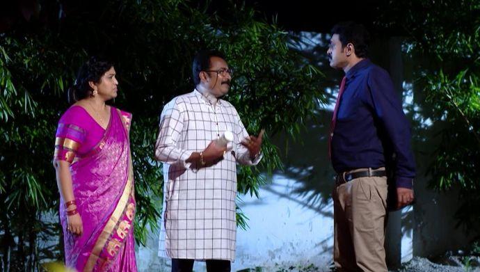 Chary with Chandrika and Prasad in Kalyana Vaibhogam