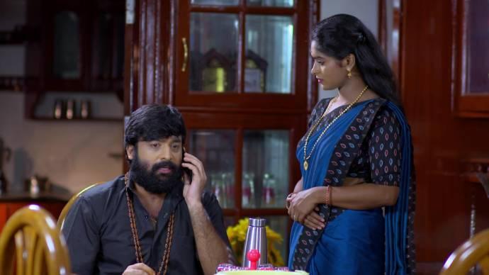 Harshan answers Samyuktha's phone (source:ZEE5)