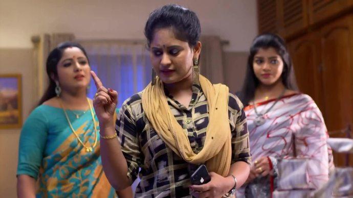Priyanka visits Ganga in Thrichambarath (source:ZEE5)