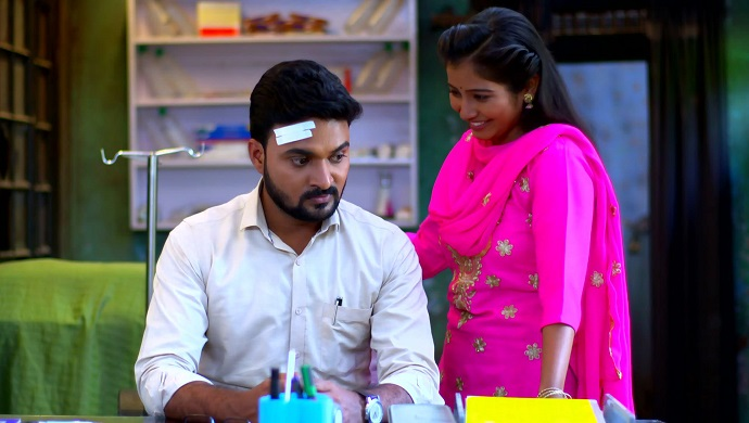 Devmanus: Here's Why Dimple Is A Perfect Villainous Assistant To Dr. Ajit - ZEE5 News