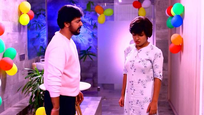 Sudhi and Sathya in Sathya enna Pnekutty