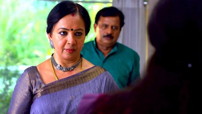 Akhila in Chemabarathi