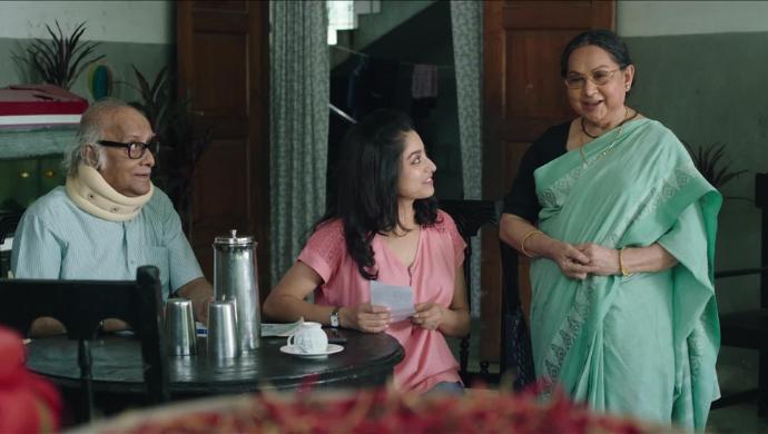 Ishaa Saha, Paran Bandhopadhyay and Sandhya Roy in Daab Chingri