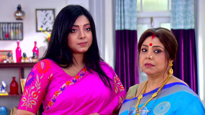 Radharani and Rukmini in Krishnakoli