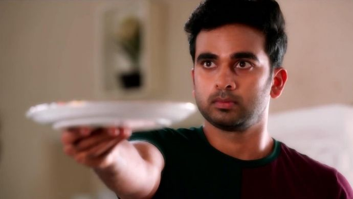 Ashok Selvan as Dev in Ninnila Ninnila
