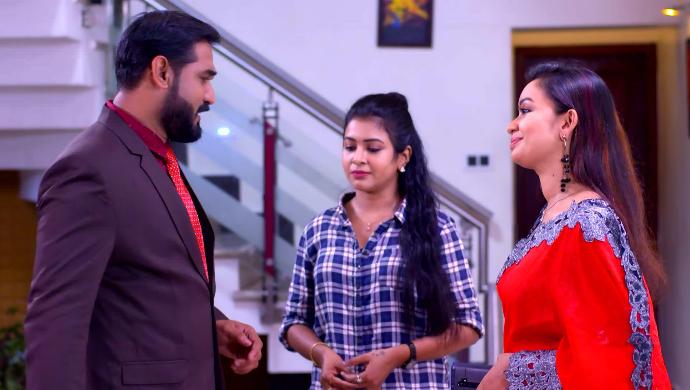 Abhijit, Divya and Jenny from Sathya Enna Penkutty