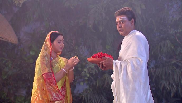 Haran Thakur and Atashi in Rani Rashmoni