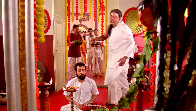 Harun Thakur and Gadadhar in Rani Rashmoni