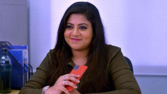 Meera in Neethane Enthan Ponvasantham