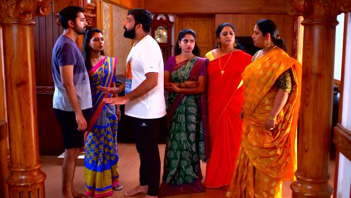 Abhimanyu, Samyuktha, Harshan, Saptathi, Sharmila and Saudamini from Pookalam Varavayi
