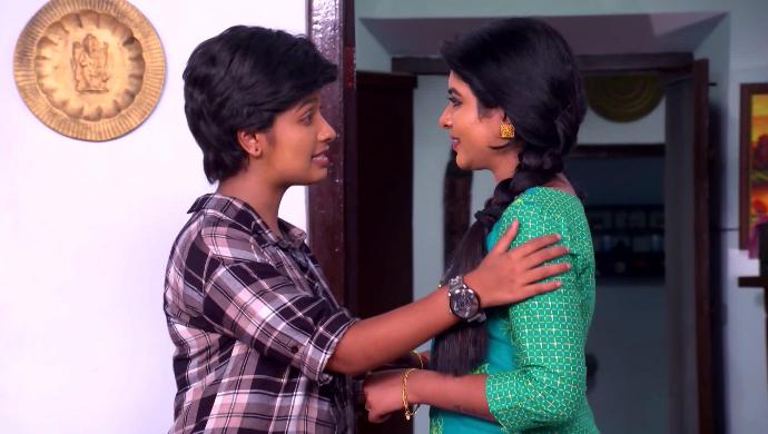 Sathya and Divya from Sathya Enna Penkutty