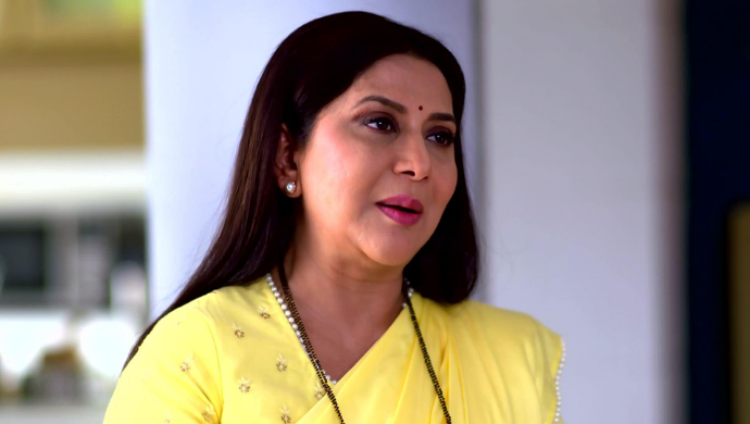 Aggabai Sunbai: Asawari And Shubhra's Reversed Roles Have Made The Show An Interesting Watch, Here's Why - ZEE5 News