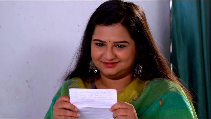 Yeu Kashi Tashi Me Nandayla 05 April 2021 Written Update: Omkar buys a gift for Sweetu! - ZEE5 News