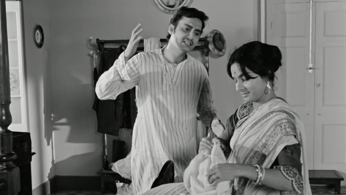 Charu and Amal in Charulata