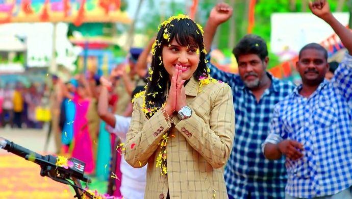 Divya from Kalyana Vaibhogam