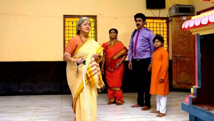 Jeji, Chari, Meenakshi and Charukesa in Kalyana Vaibhogam
