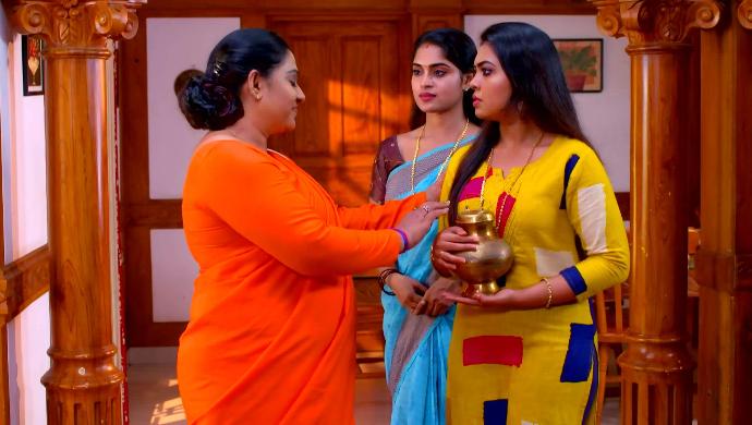 Kalyani, Saptathi and Samyuktha (Pookalam Varavayi)