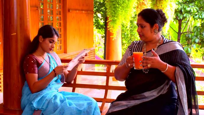Saptathi and Saudamini (Pookalam Varavayi)
