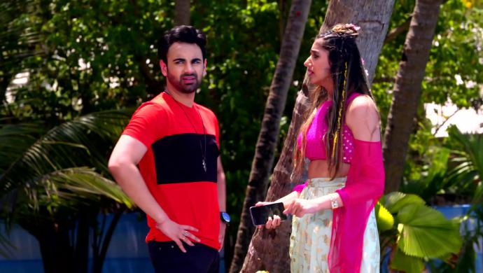 Kiara and Vikram in Apna Bhi Time Aayega