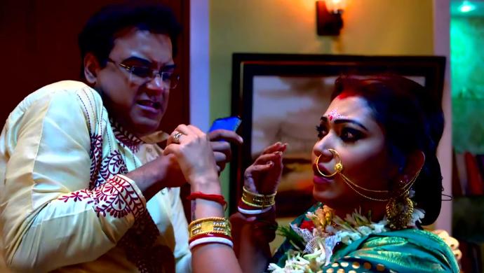 Koushani and Rik in Jibon Saathi