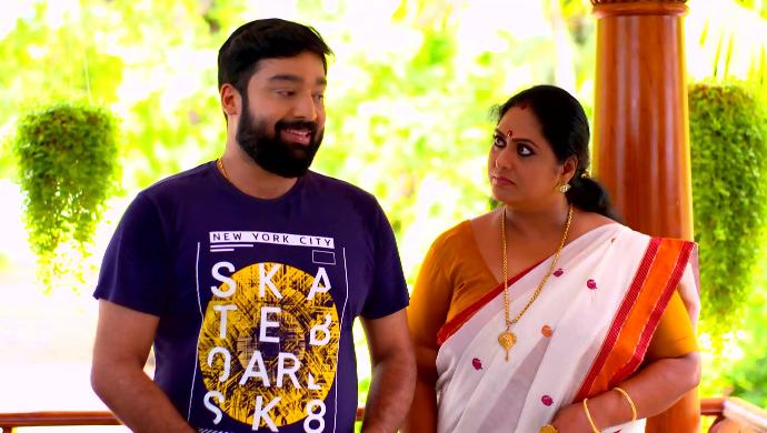 Harshan and Sharmila (Pookalam Varavayi)