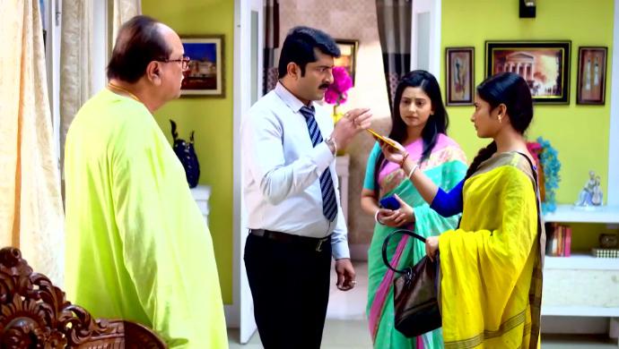 Priyam, Subhash and Jhelum in Jibon Saathi