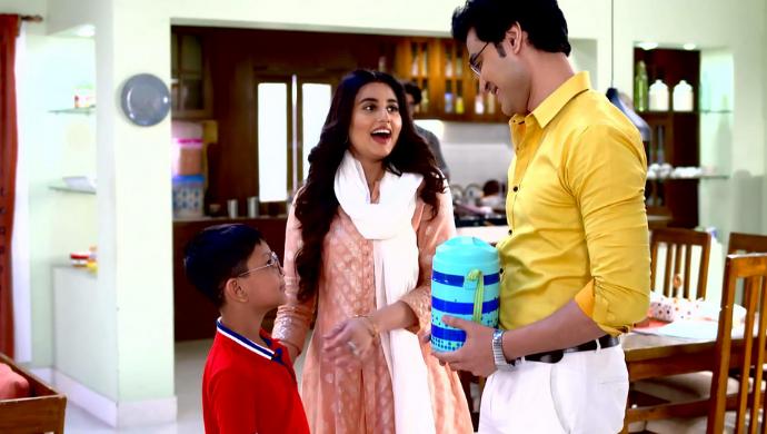 abhi, radhika and dev in ki kore bolbo tomay
