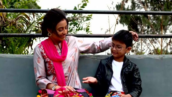 Abhi and Radhika in Ki Kore Bolbo Tomay