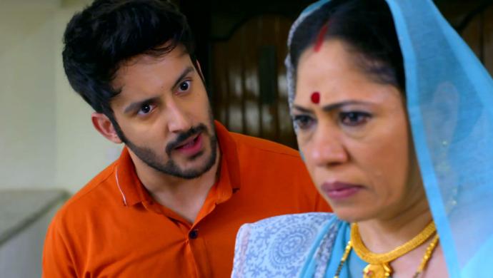 Aditya and Ammaji in Hamariwali Good News