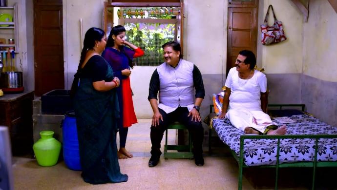 Anu, Pushpa, Subbu and Pankaj in Neethane Enthan Ponvasantham