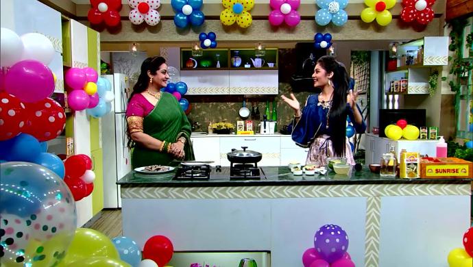 Anushka Patra and Sudipa Chatterjee in Rannaghar
