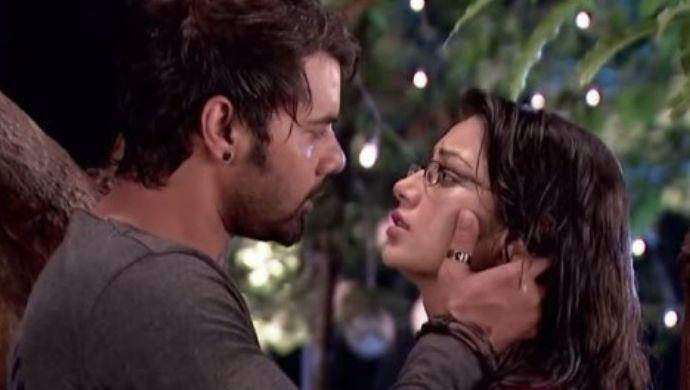 Pragya Abhi Rain romance