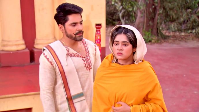 Rani Maa and Mathur in Rani Rashmoni