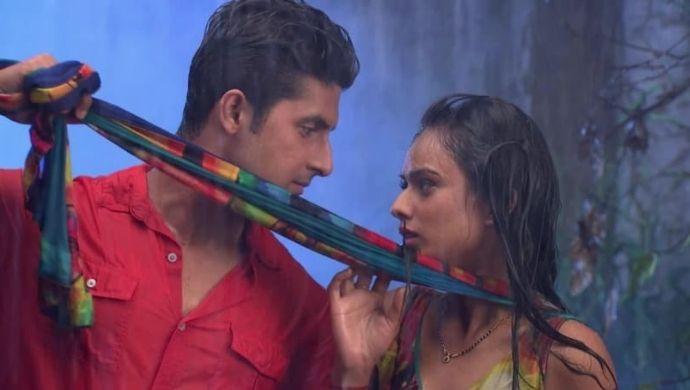 Roshni Sid Rain romance