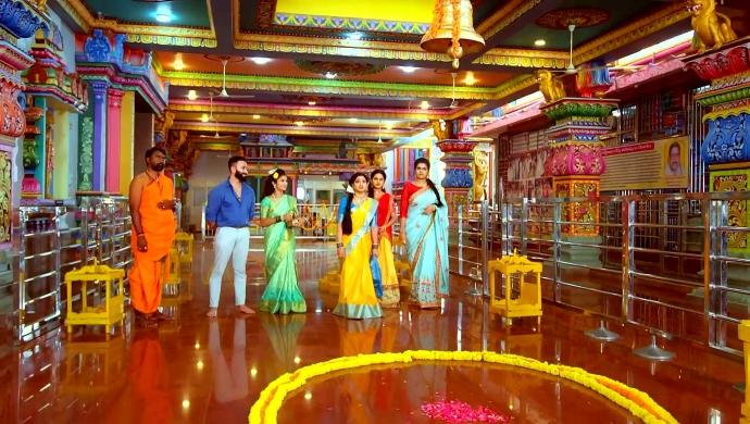 Vishal, Nayani and the others from Trinayani