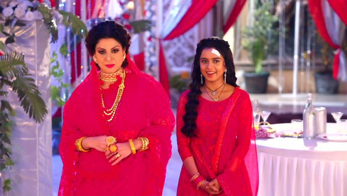 A still from Apna Time Bhi Aayega