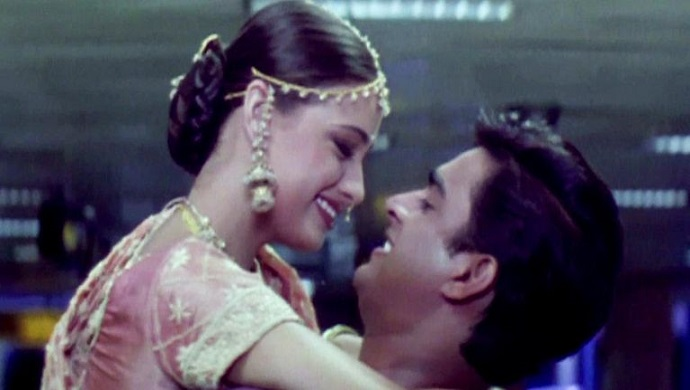 A still from Rehnaa Hai Terre Dil Mein