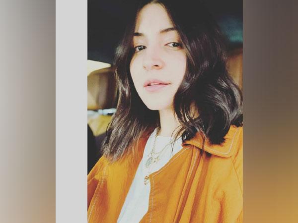 Anushka Sharma is in love with her new haircut