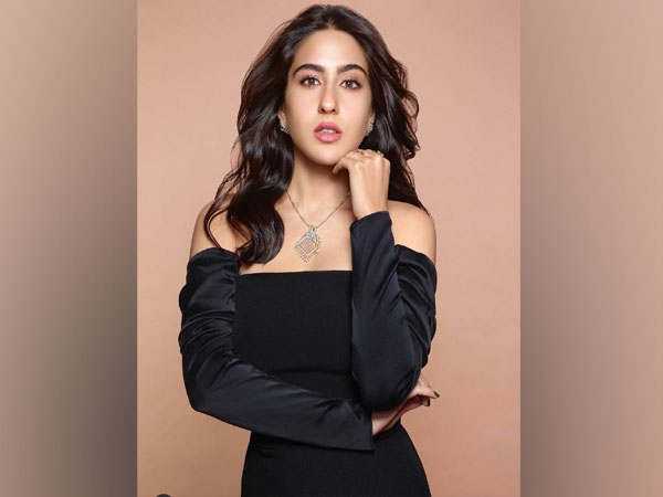 Sara Ali Khan shares her love for playing cards
