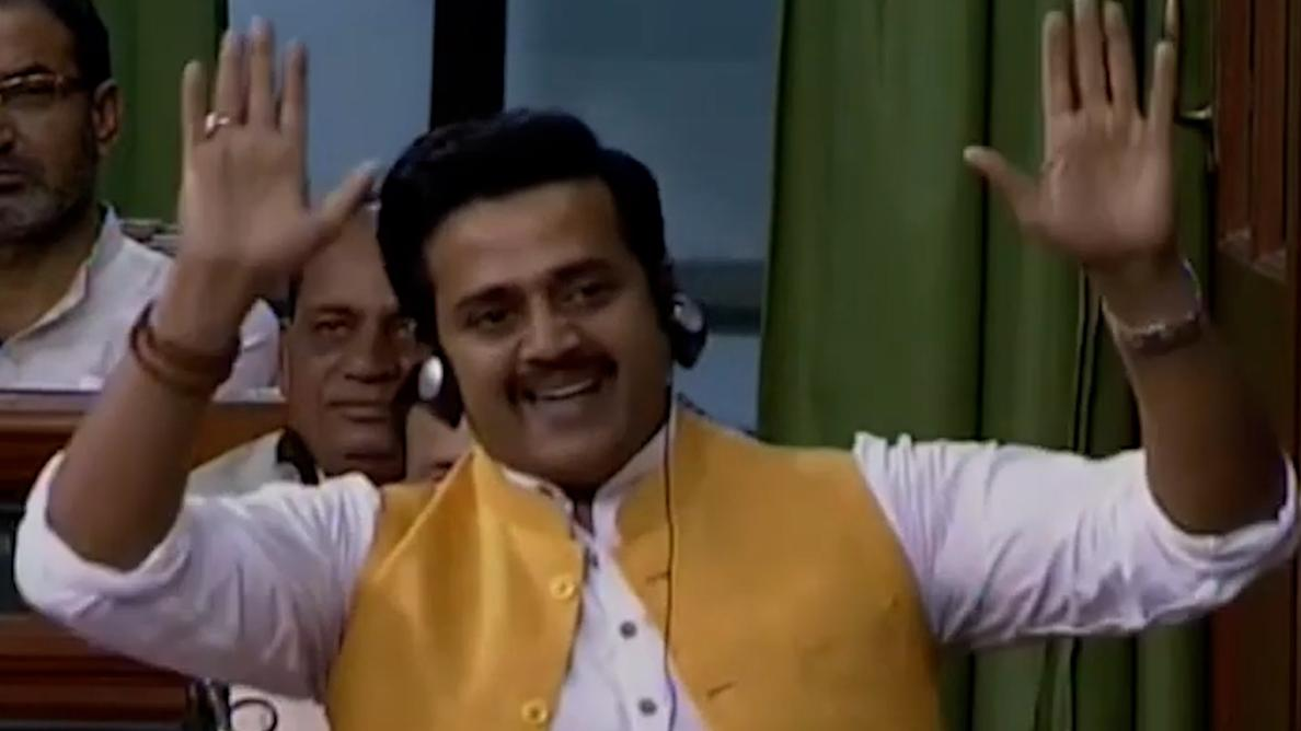 BJP MP Ravi Kishan, father of 4, to table bill on population control - ZEE5  News