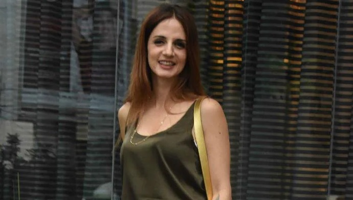 Hrithik Roshan's Former Wife Sussanne Khan Raises The Glamour Quotient In An All-Olive Look