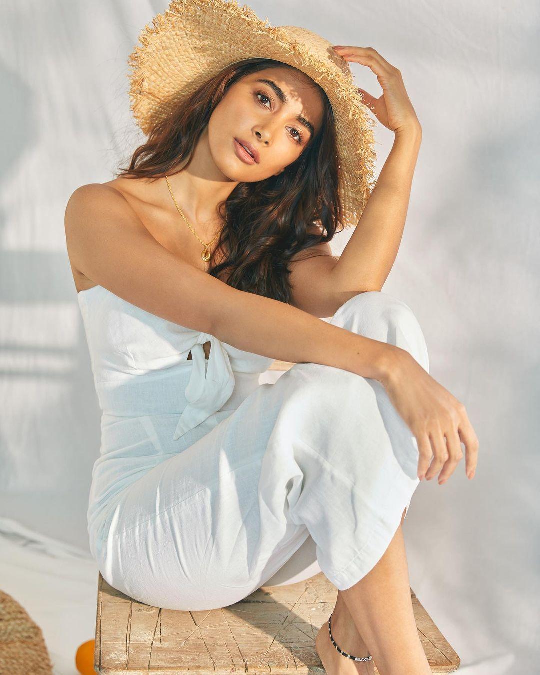 Pooja Hegde to romance Pawan Kalyan in Bhavadeeyudu Bhagat Singh?
