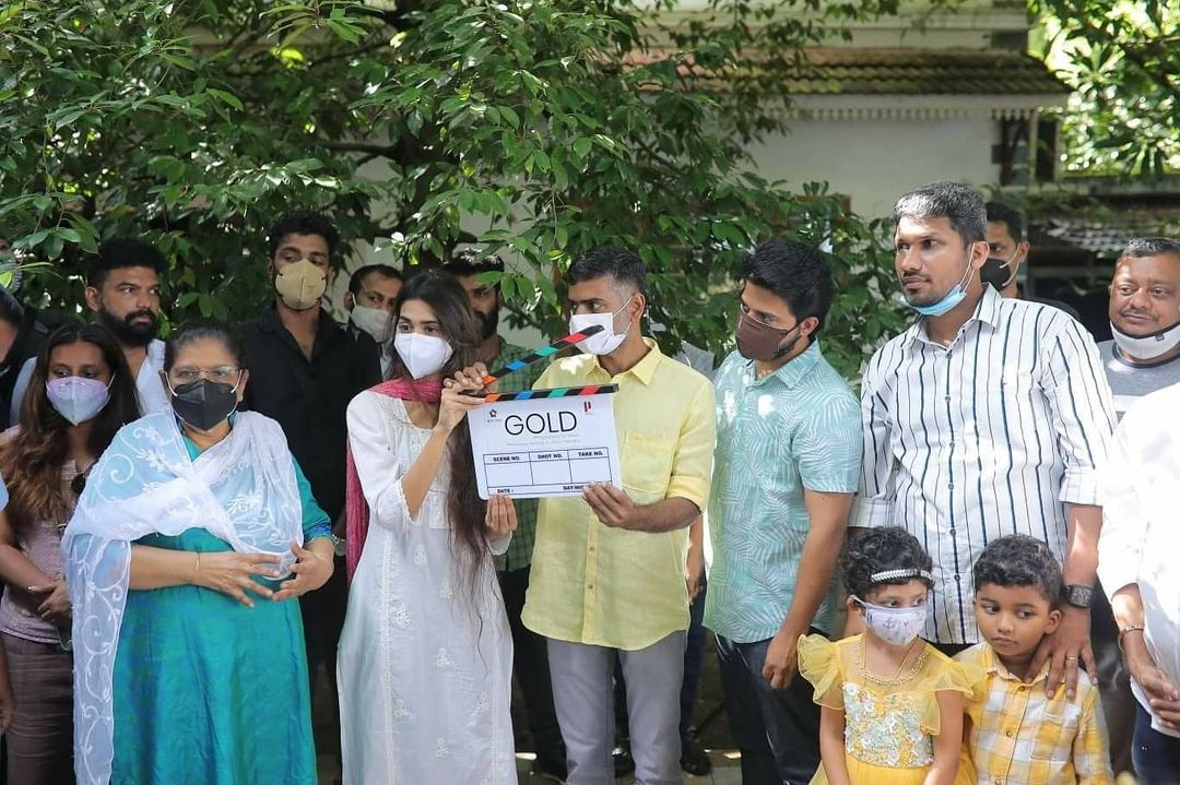 The shoot for Nayanthara and Prithviraj starrer Gold commences