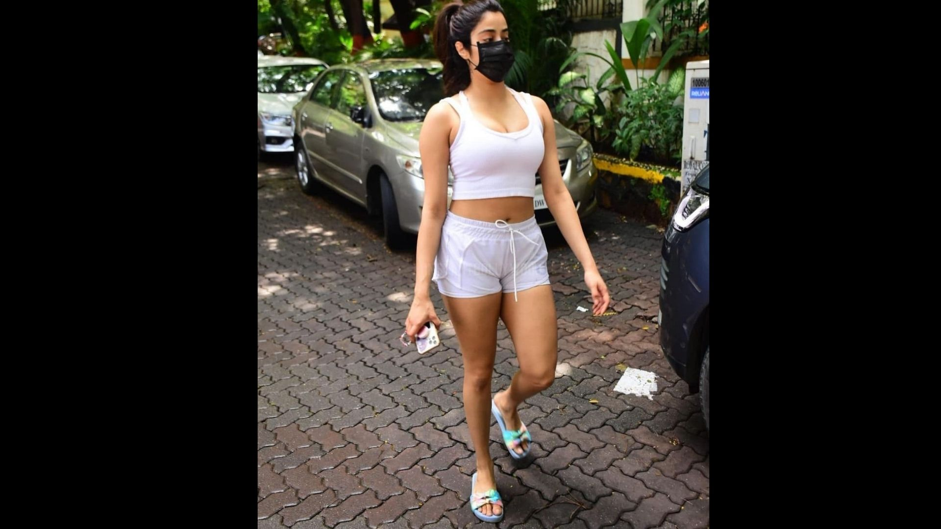 Janhvi Kapoor Waves At The Shutterbugs Post Her Pilates Session; Flaunts Her Striped Navy Blue Pants In Style