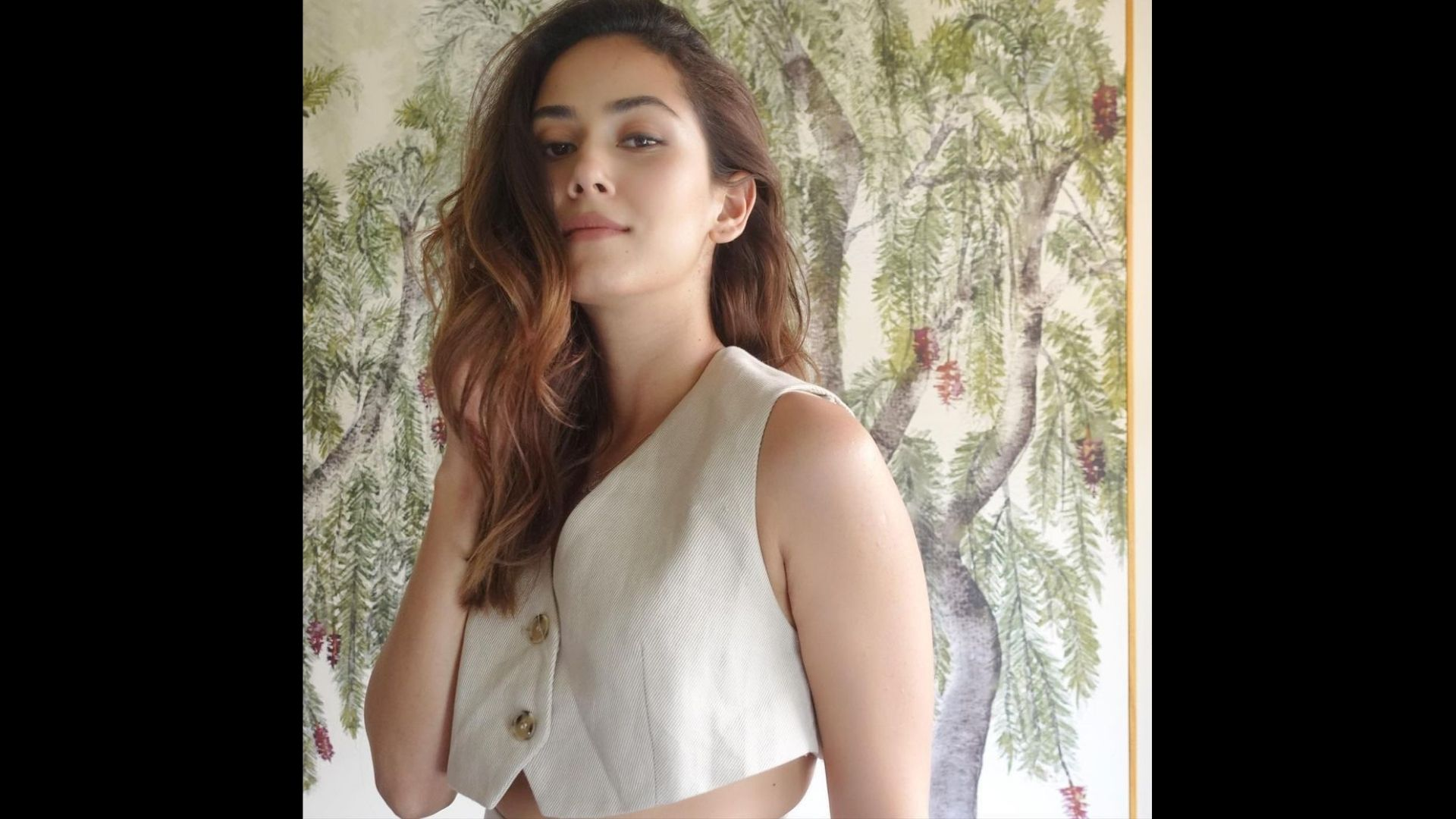 Mira Rajput Hops Onto Instagram's Latest Filters; Shares Stunning Photo With A Unique Caption