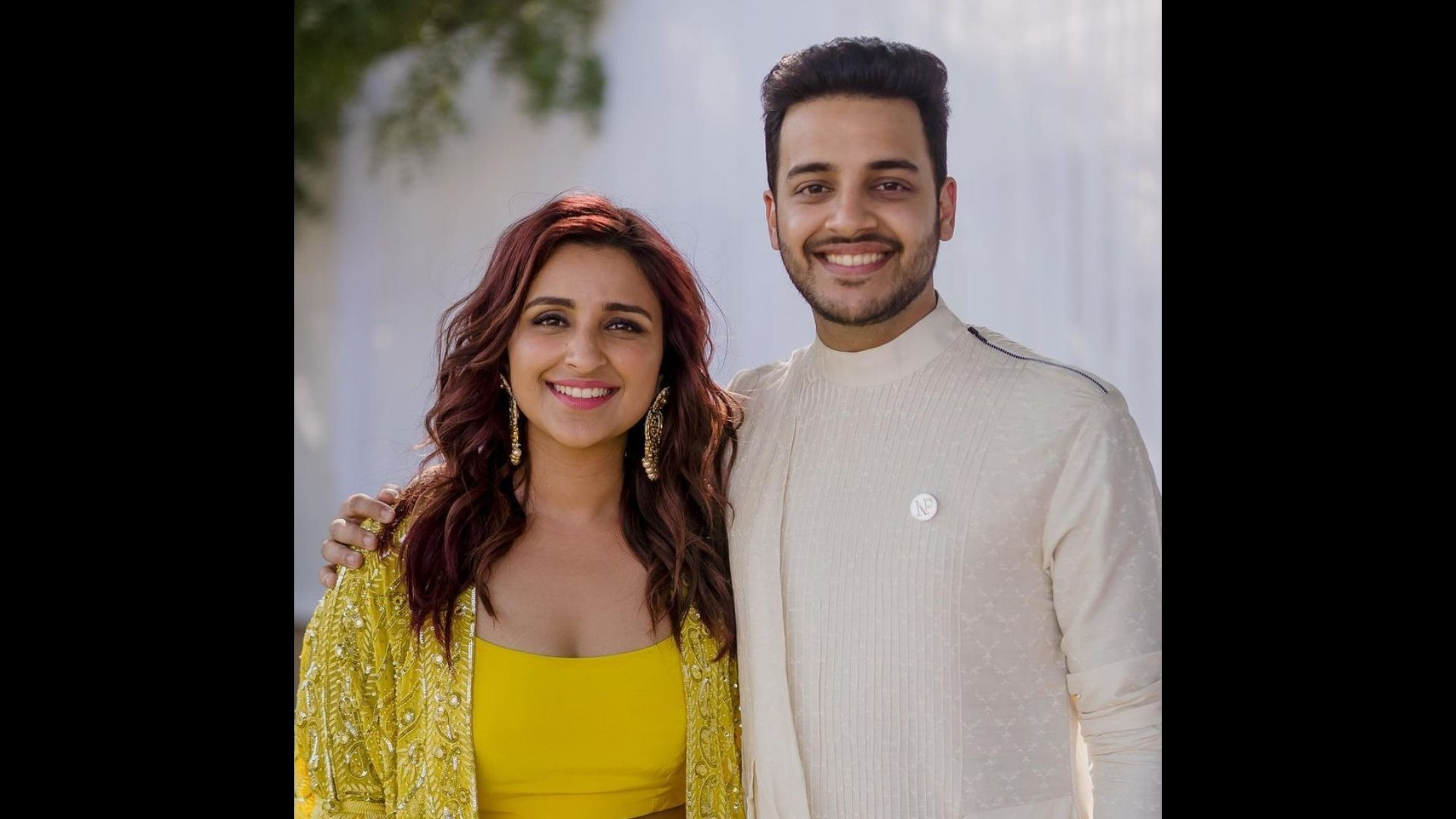 Parineeti Chopra Along With Brother Shivang Chopra Croon Kalank Title Track Leaving All Of Us Awestruck; You Cannot Miss Their Sync