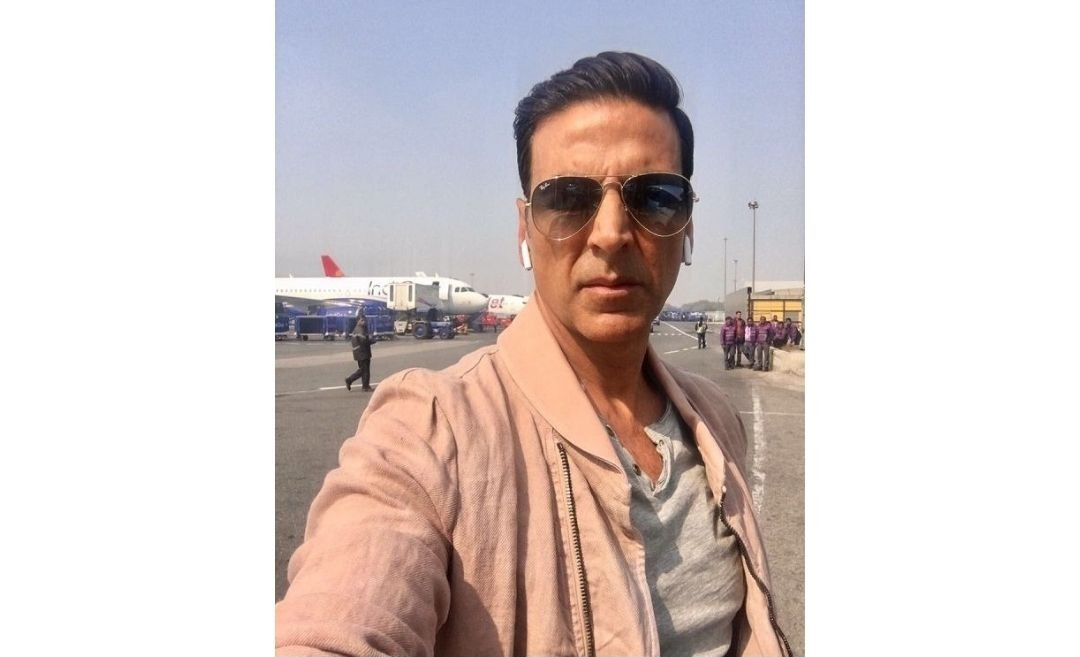 After Mother's Demise, Akshay Kumar Returns To Work; Actor To Fly To The UK To Resume Cinderella Shoot- Reports