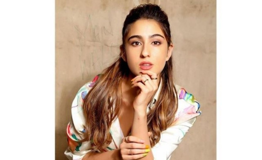 Sara Ali Khan Flaunts Her Sexy Bikini Bod In Lavender Swimsuit; Drops A Video From An Exotic Location