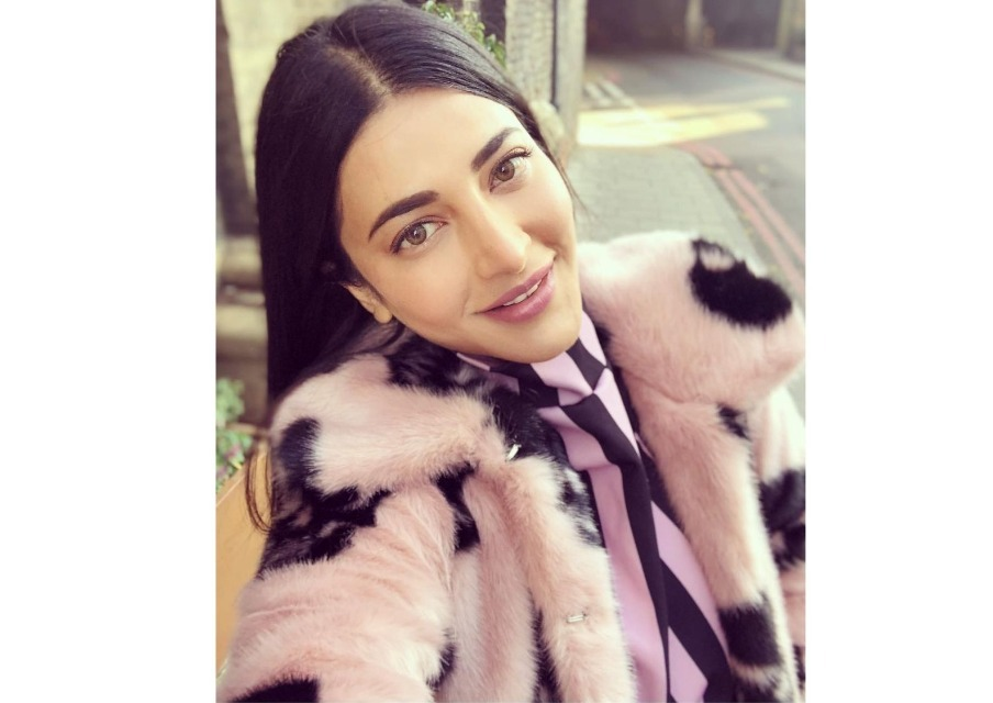 Throwback To The Time When Shruti Haasan Opened Up About Her Plastic Surgery